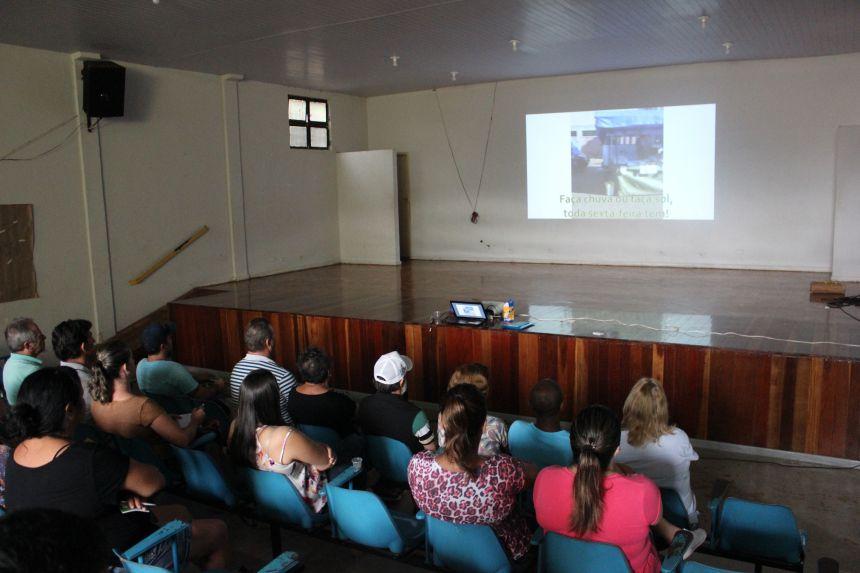 Secretaria de Agricultura apoia palestra da REDIfeira para feirantes de Paiçandu