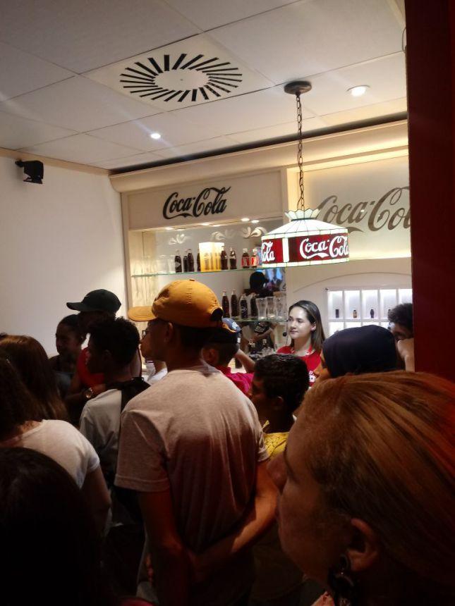 Adolescentes do SCFV visitam a Fábrica da Coca-Cola