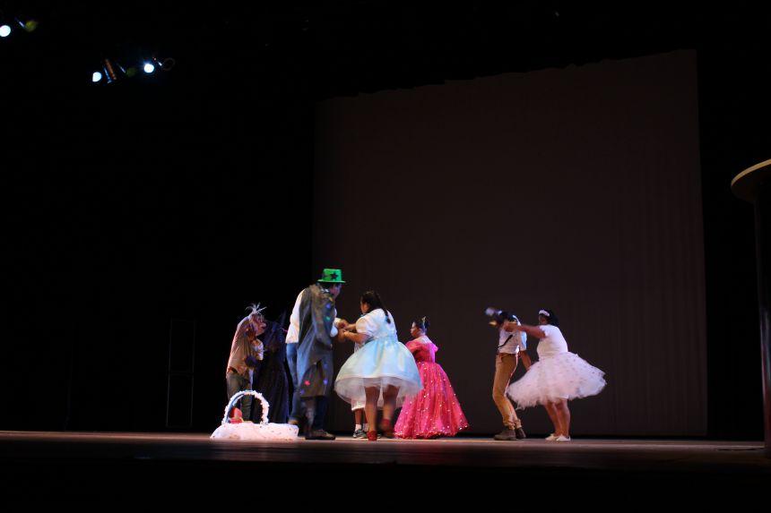 """Alunos da APAE de Paiçandu foram classificados no 11º Festival """"Nossa Arte"""""""
