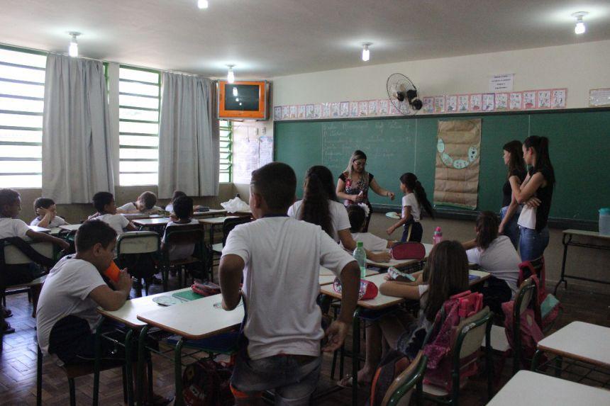 Palestra sobre bullying na Escola Professora Cátia Gisella Beraldo Todon
