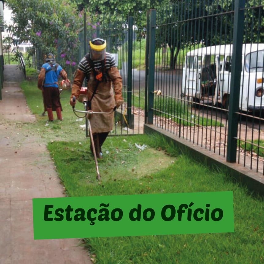 Secretaria de serviços públicos realiza roçada nos espaços públicos