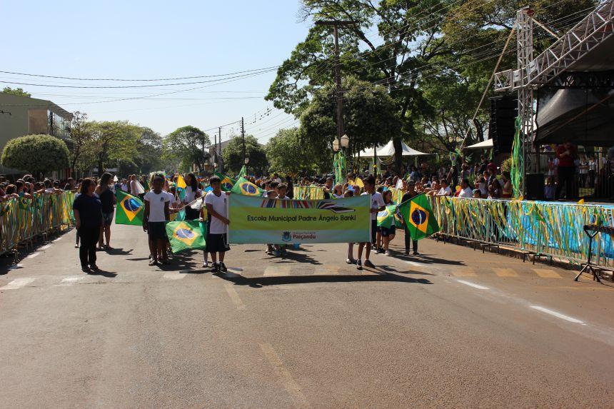 Desfile do dia 7 de Setembro e Ato cívico em Paiçandu reúne milhares de pessoas