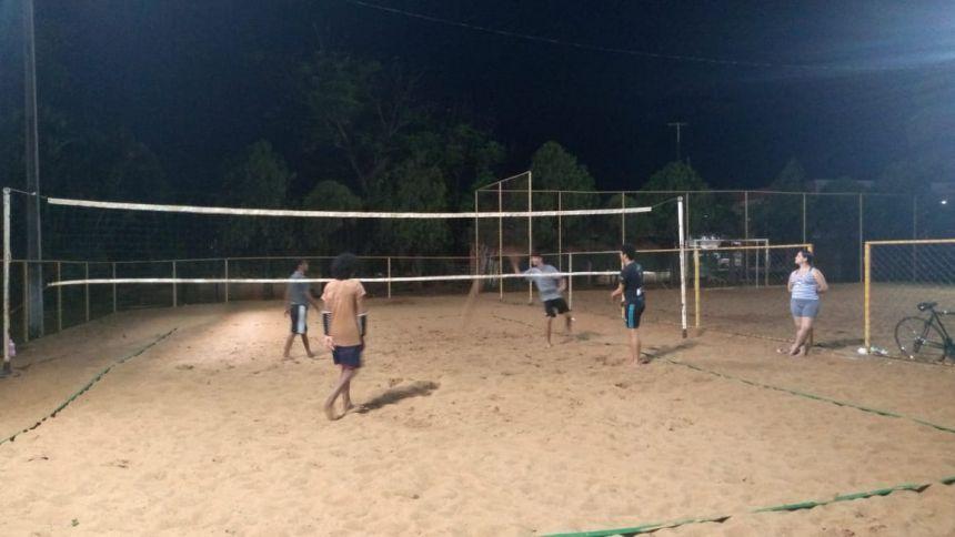 Oficina de Vôlei de areia reúne esportistas no Complexo Esportivo do Centro