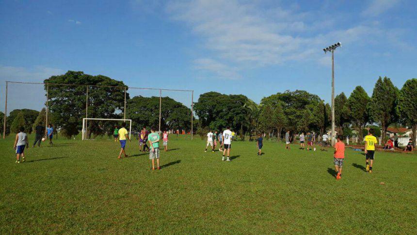 Secretaria de Esportes e Lazer realiza evento de encerramento das oficinas de futebol de campo