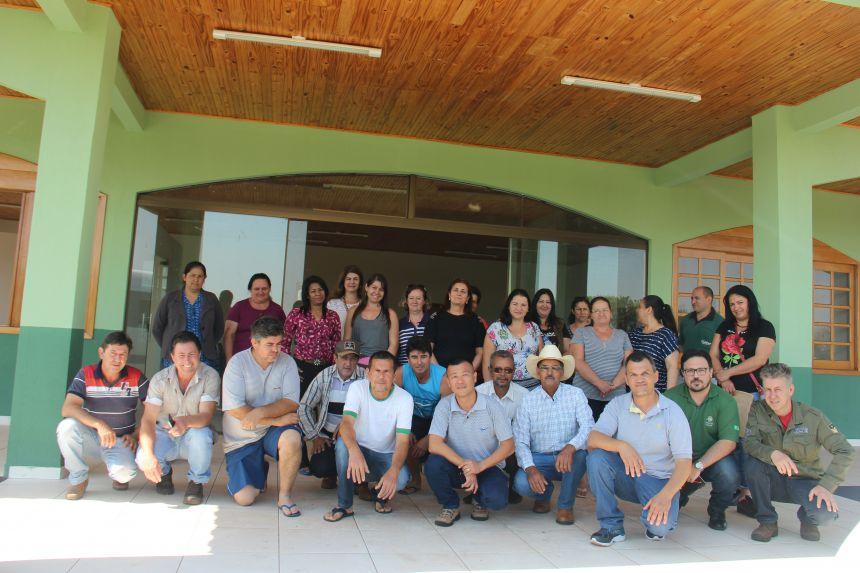 Secretaria de turismo promove reunião para desenvolver a economia solidária no município de Água Boa e região
