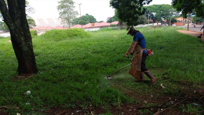Secretaria de Serviços Públicos realiza manutenções