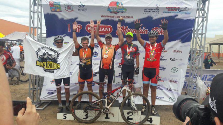 Paiçandu Bike Clube participa de competição em Arapongas e traz sete medalhas para casa