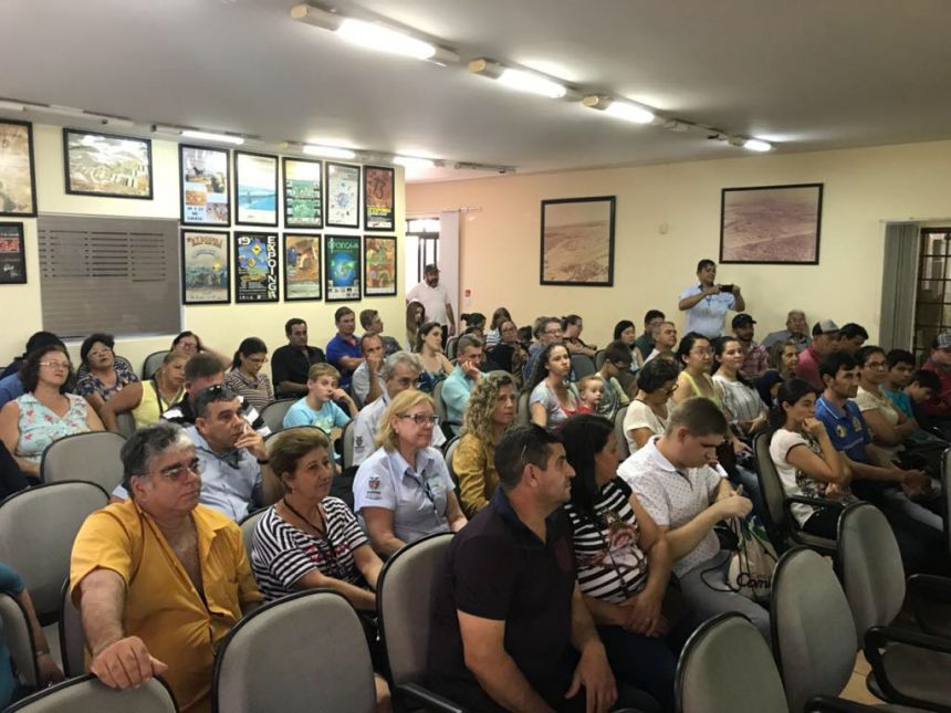 Secretaria de Agricultura leva agricultores do município para Encontro Regional de Horticultura