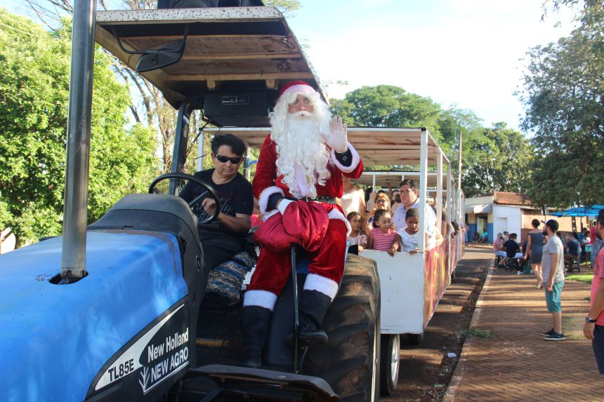 Água Boa recebe a visita do Papai Noel neste Domingo