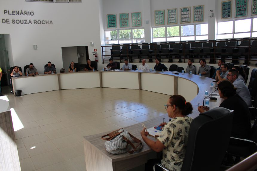 Executivo, legislativo e escritórios de contabilidade se reúnem para discutir leis de abertura de empresas
