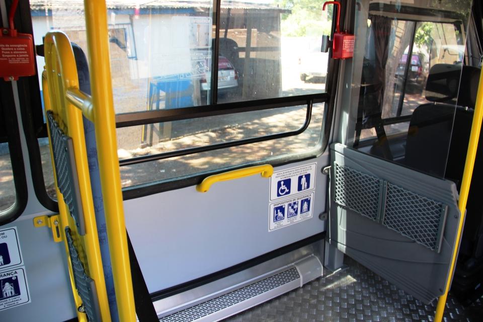 Educação recebe ônibus adaptado para atender alunos com necessidades especiais