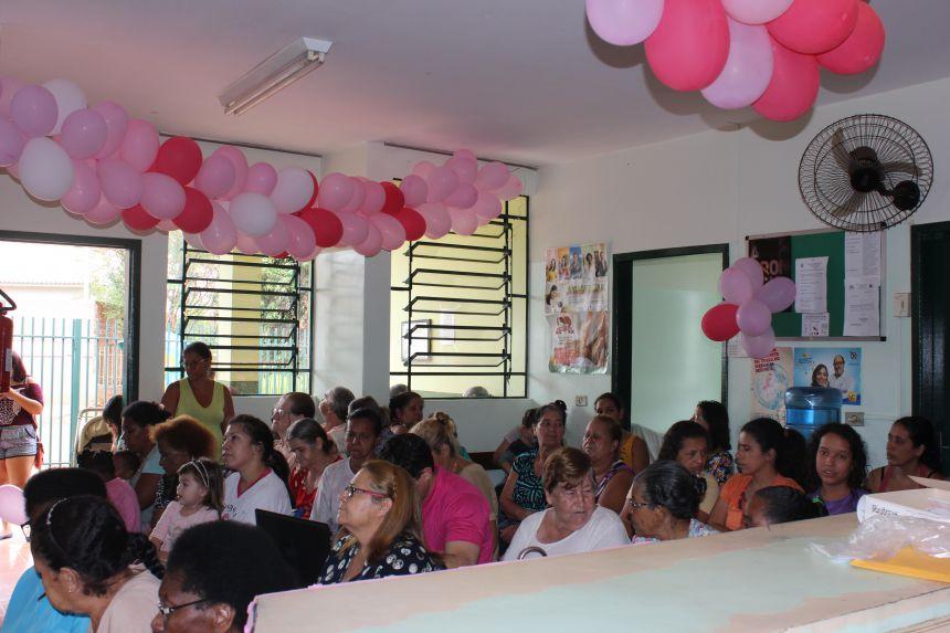 Palestra Outubro Rosa reúne quase 80 mulheres na Unidade Básica da Saúde Canadá