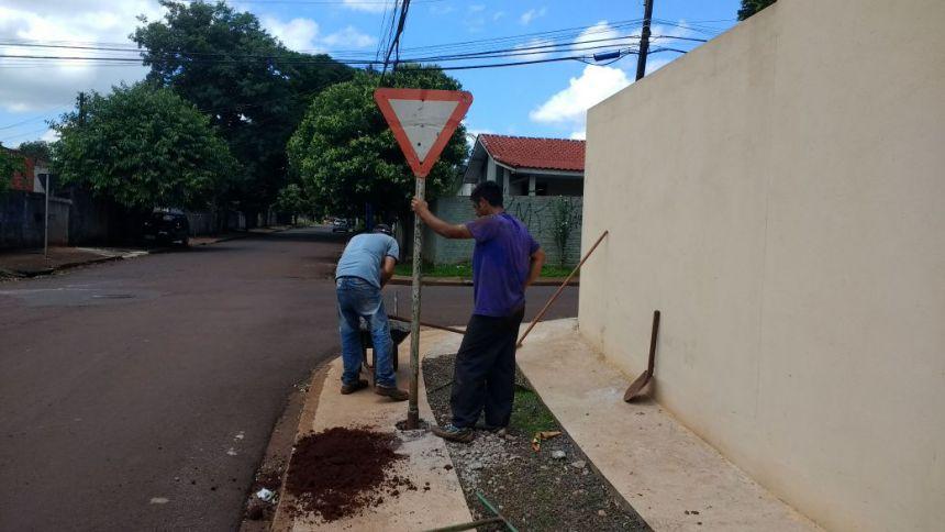 Secretaria de Serviços Públicos realiza atividades pela cidade