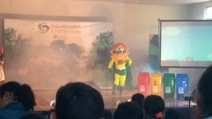 """Secretaria de educação realiza projeto """"Paiçandu justa e sustentável"""" para alunos da Escola Municipal Pedro Françozo"""