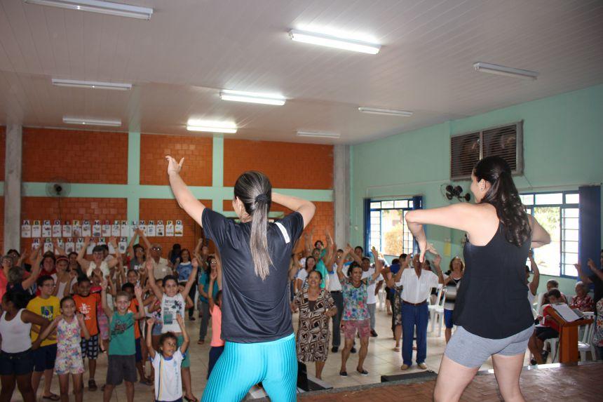 SEMANA DO IDOSO: Dança, comida, alegria e diversão!