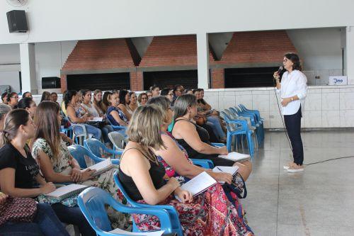 Secretaria de Educação realiza implantação de livros didáticos