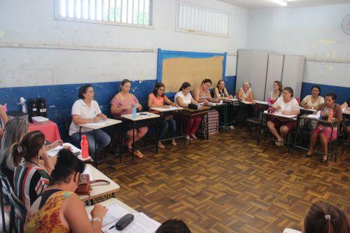 Equipe da Educação Especial realiza primeiro encontro de Grupo de Estudo