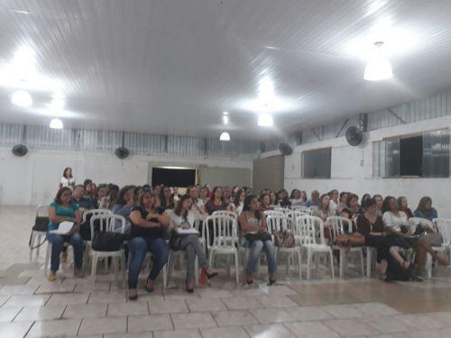 Palestra sobre Educação Especial reúne professores na Associação dos Funcionários Municipais de Paiçandu