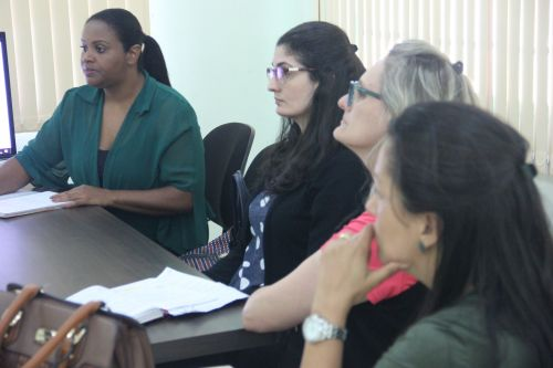 Equipes do CRAS de Paiçandu e Mandaguaçu se reúnem para troca de experiências