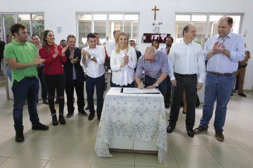 Paiçandu firma convênios com o Estado que somam R$ 7,2 milhões