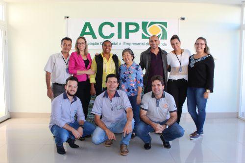 Secretaria de assistência social em parceria com a ACIP recebe doações