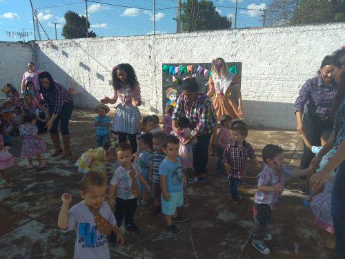 CMEI Francisco Matheus realiza festa junina