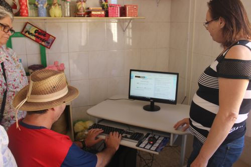 CAPS recebe novos computadores da Secretaria de Saúde