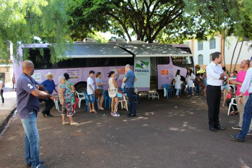 """Secretaria de Assistência Social promove Ônibus lilás - """"Espaço mulher: Cidadania no seu bairro"""""""