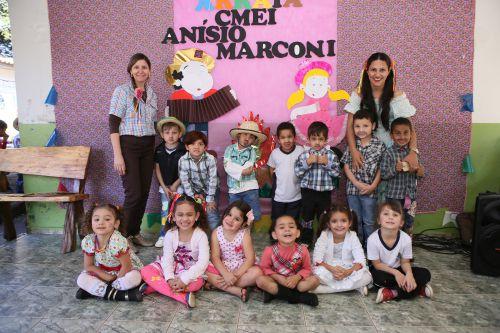 CMEI Anísio Marconi realiza Festa Julina para alunos