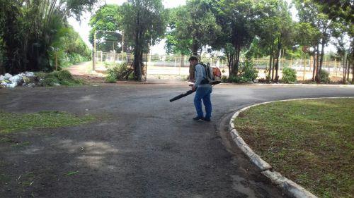 Secretaria de Serviços Públicos realiza manutenção por toda a cidade