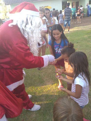 Chegada do Papai Noel no Distrito de Água Boa