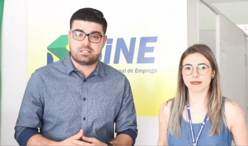 A secretaria de indústria e comércio e SINE realizam parceria com Supermercado Cidade Canção para viabilizar a contratação de funcionários.