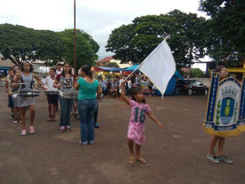 Fanfarra municipal se apresenta na Feira do Produtor