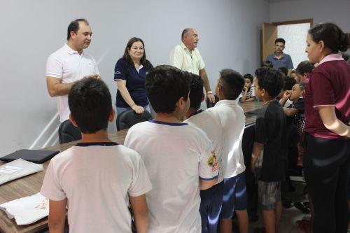 Alunos da escola municipal visitam a prefeitura