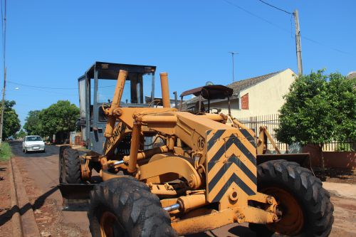 Secretaria de serviços públicos realiza recapeamento asfáltico na Rua Nicolas Sarri