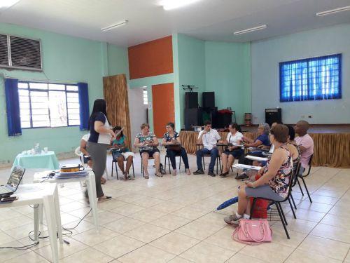 Secretaria de Assistência Social e Telecentro disponibilizam cursos de Smartphone para idosos