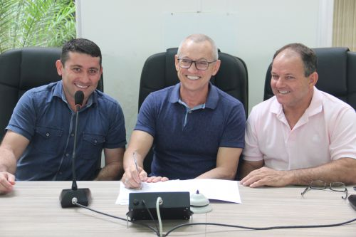 Prefeitura assina convênio com ANPR