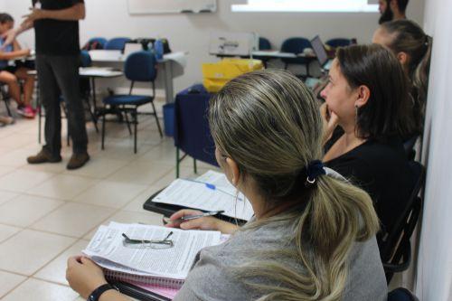 Professores dos CMEIs recebem formação de Movimento da Educação Infantil