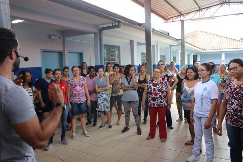 Funcionários do CMEI José Chiarallo se divertem com atividades da Secretaria de Esportes