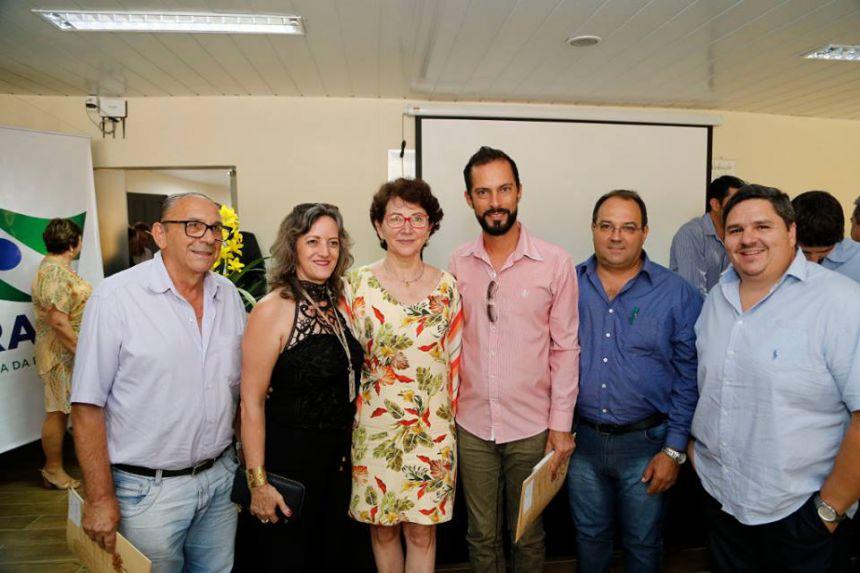Paraná firma parceria com municípios para ensino rural