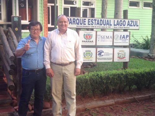 Prefeito Kuroda esteve visitando o Parque Estadual Lago Azul