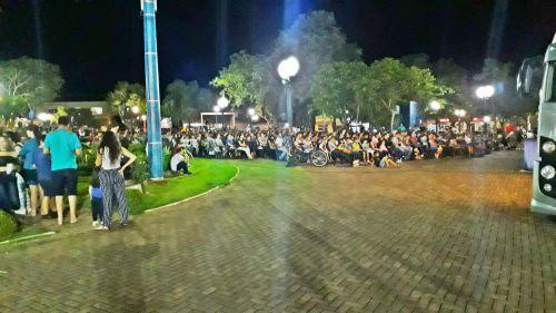 Cinema ao ar livre leva grande público até a Praça Central de Faxinal