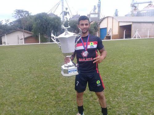 Cajueiro é Campeão do Torneio do Trabalhador em Faxinal