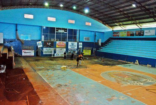 Reforma do ginásio de esportes Manecão continua a todo vapor