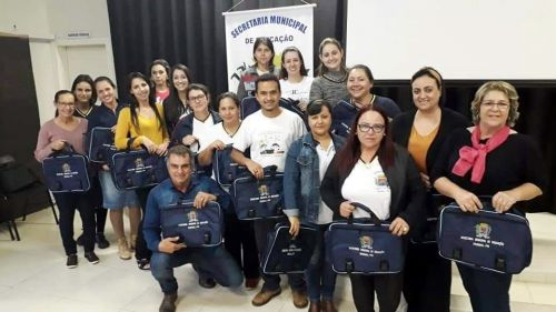 Prefeito participa de reunião com professores da rede municipal