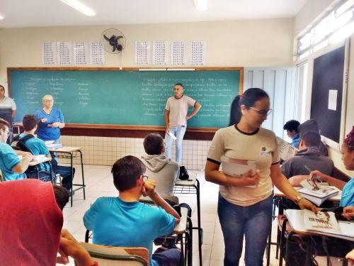 Secretaria de Saúde promove palestra sobre combate a Dengue para alunos da rede estadual