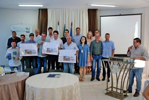 Secretário de Estado do Planejamento, Valdemar Bernardo Jorge, participa do Fórum Regional do Desenvolvimento do Vale do Ivaí em Faxinal.