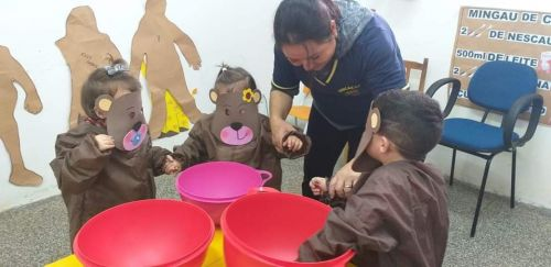 CMEIs - Professores usam a criatividade e bons projetos para o aprendizado das crianças em Faxinal