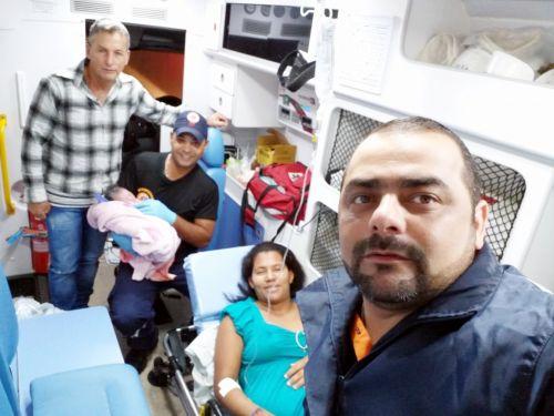Mulher dá à luz em ambulância de Faxinal a caminho do Hospital da Providência