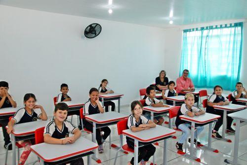 Prefeitura entrega reforma da escola Marechal Rondon da Vila Nova e Vila Velha
